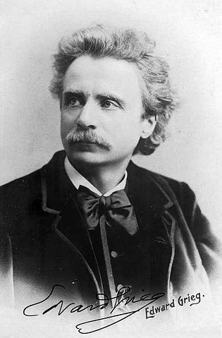 315px-Edvard_Grieg_(1888)_by_Elliot_and_Fry_-_02