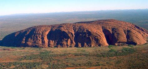 799px-Uluru_(Helicopter_view)-crop